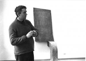 """Franz Bernhard in der Ausstellung """"Skulpturen"""" Galerie Jürgen Ahrens, 1980"""